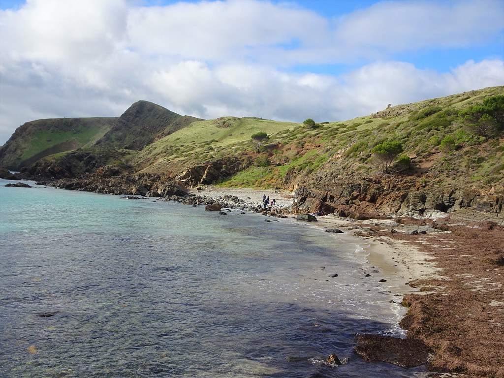 Second Valley. Fleurieu Peninsula. Rocky cliffs and beach.