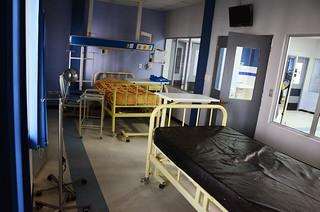 EL HOSPITAL HOLANDÉS AMPLIA EL ARE DE AISLAMIENTO PORA EL  COVID 19  (15)