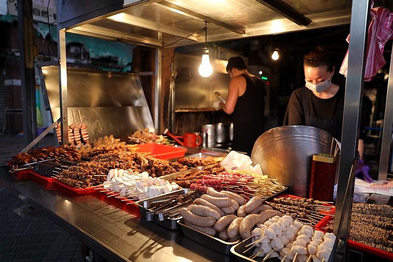 中和廟口烤肉攤全程碳烤不油炸排隊人氣美食23