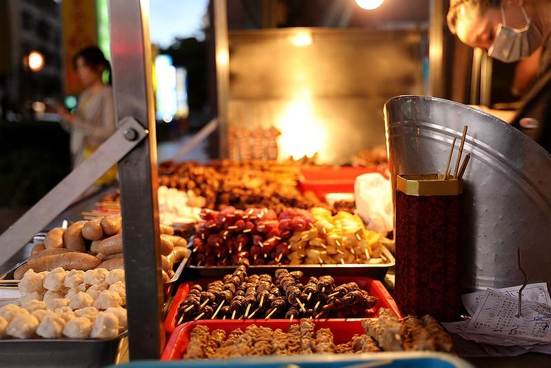 中和廟口烤肉攤全程碳烤不油炸排隊人氣美食22