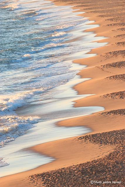 Preciosa playa de Zahora vista desde el faro de Trafalgar...ayer,Cádiz y su arena dorada.... large image