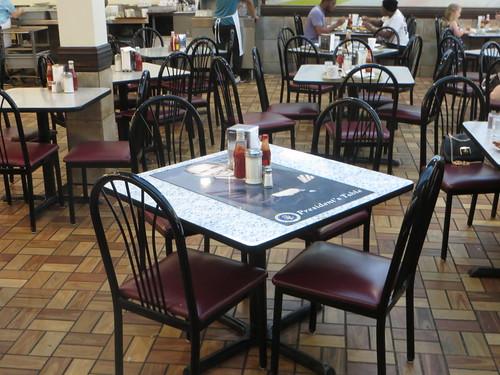 20190704 13 Barack Obama's table @ Valois Restaurant
