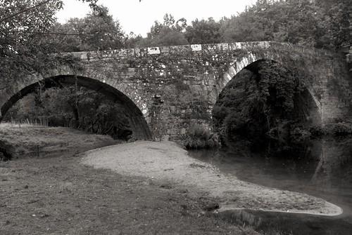 Ponte Medieval de Vilela Medieval Bridge of Vilela / Mittelalterliche Brücke von Vilela