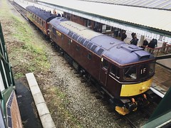 Photo of 33025 at Wrexham General