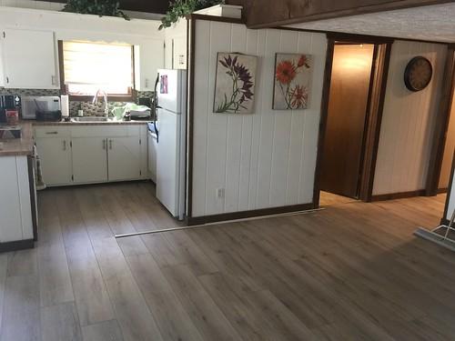 Lake Home laminate flooring 8-15-2018 (5)