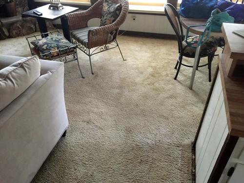 Lake home old carpet 8-11-2018 (2)