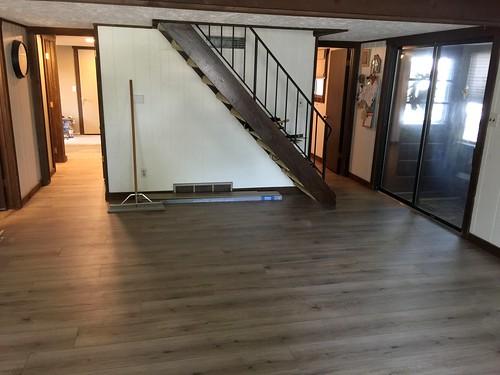 Lake Home laminate flooring 8-15-2018 (4)