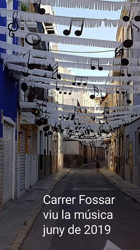 "Carrer Fossar • <a style=""font-size:0.8em;"" href=""http://www.flickr.com/photos/189222126@N08/50070032087/"" target=""_blank"">View on Flickr</a>"