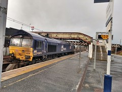 Photo of 66109 passing Carstairs (2)
