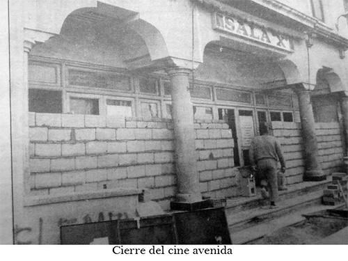"Cierre del Cine Avenida • <a style=""font-size:0.8em;"" href=""http://www.flickr.com/photos/189222126@N08/50076692346/"" target=""_blank"">View on Flickr</a>"