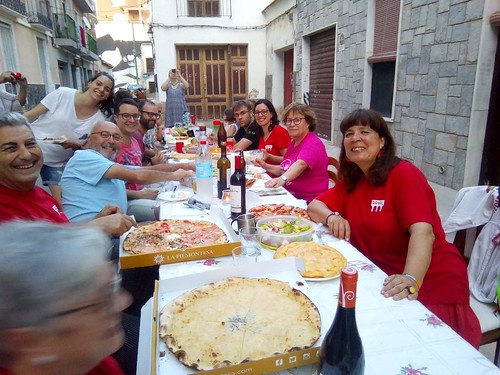 "Sopar de cabasset. Sant Joan 2019 • <a style=""font-size:0.8em;"" href=""http://www.flickr.com/photos/189222126@N08/50076882127/"" target=""_blank"">View on Flickr</a>"