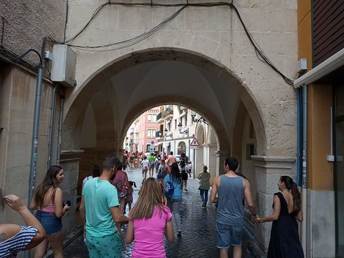 "Cercavila pels carrers engalants 2019 • <a style=""font-size:0.8em;"" href=""http://www.flickr.com/photos/189222126@N08/50076882787/"" target=""_blank"">View on Flickr</a>"