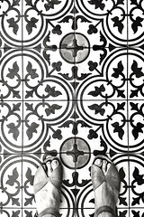186/366: on the tiles (vintage - phone photography)