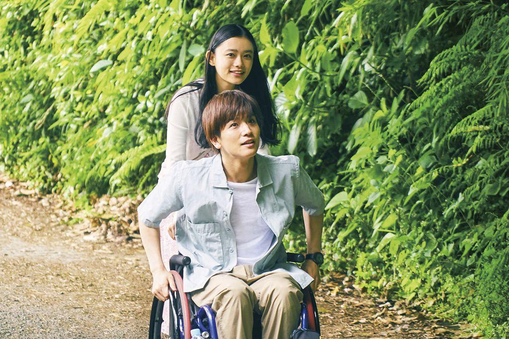 Perfect World _和你在一起的奇蹟__新聞稿照01_輪椅籃球令岩田剛典痛到唉唉叫?!