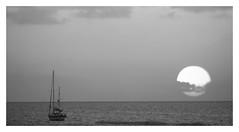 Anglų lietuvių žodynas. Žodis anchorage reiškia n 1) stovėjimas išmetus inkarą; 2) inkaro mokestis lietuviškai.