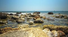 Playa de rocas IV