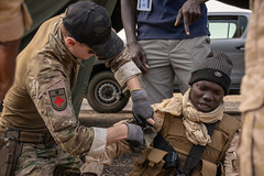 Burkinabe soldiers hone their medical skills