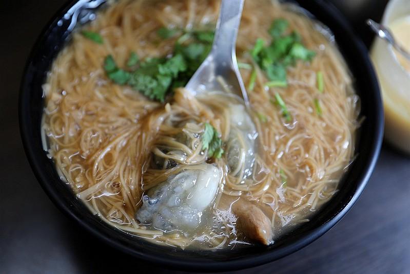黃金麵線-大腸蚵仔肉丁麵線吳興街11