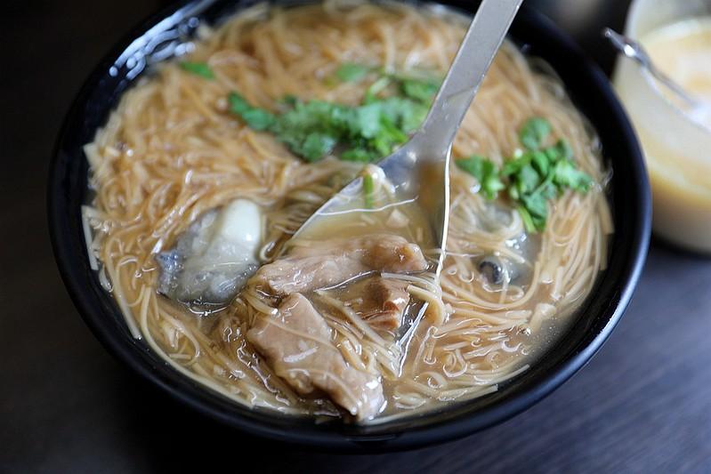 黃金麵線-大腸蚵仔肉丁麵線吳興街13