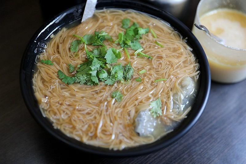 黃金麵線-大腸蚵仔肉丁麵線吳興街05