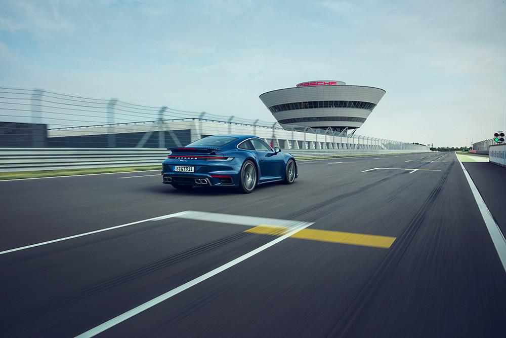 Porsche 200716-8