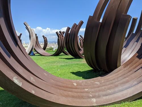 Sculpture de Bernar Venet - Parc Emile Duclaux - Pharo