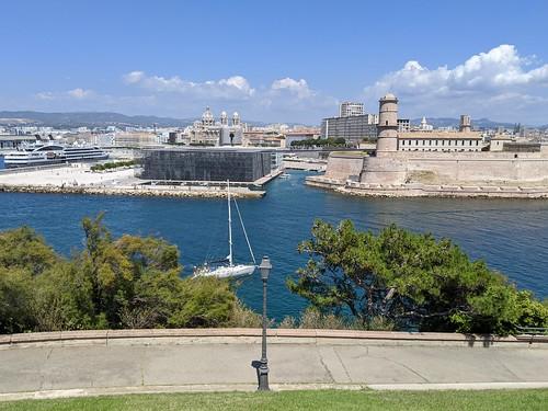 Fort Saint-Jean et Mucem vus du Pharo