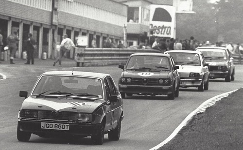 Renny Burnside leads Keith Fawdington at Oulton - August 1987. Photo Brian Horne