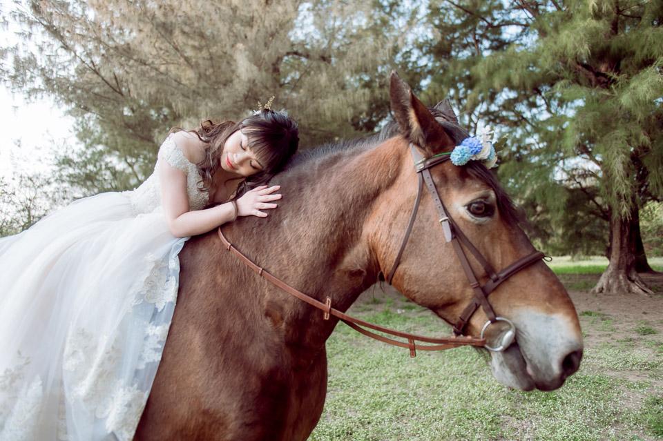 台南自助婚紗 杜林紙草手工婚紗 浪漫又帥氣的駿馬婚紗 011