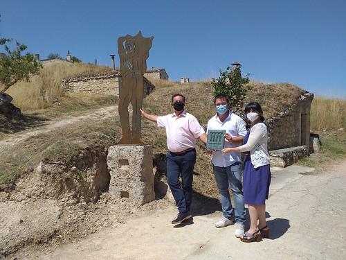 """Celebrado el acto de descubrimiento de la placa al accésit del proyecto de las Bodegas Subterráneas y Lagares Tradicionales de Moradillo de Roa • <a style=""""font-size:0.8em;"""" href=""""http://www.flickr.com/photos/141347218@N03/50143579743/"""" target=""""_blank"""">View on Flickr</a>"""