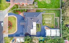8 Elegan Court, Hillside VIC