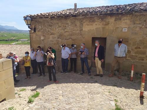 """Celebrado el acto de descubrimiento de la placa del Premio Hispania Nostra 2020 a la App para la reconstrucción virtual del Castillo de San Vicente de la Sonsierra • <a style=""""font-size:0.8em;"""" href=""""http://www.flickr.com/photos/141347218@N03/50157804863/"""" target=""""_blank"""">View on Flickr</a>"""
