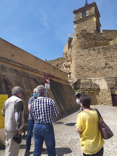 """Celebrado el acto de descubrimiento de la placa del Premio Hispania Nostra 2020 a la App para la reconstrucción virtual del Castillo de San Vicente de la Sonsierra • <a style=""""font-size:0.8em;"""" href=""""http://www.flickr.com/photos/141347218@N03/50157805738/"""" target=""""_blank"""">View on Flickr</a>"""