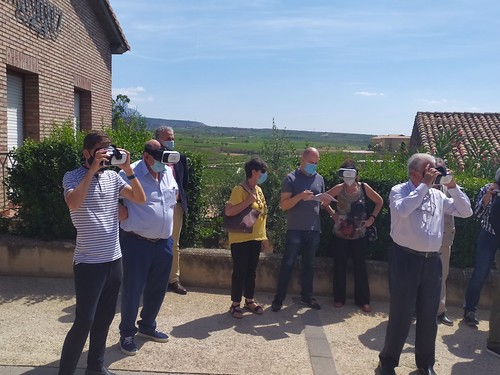 """Celebrado el acto de descubrimiento de la placa del Premio Hispania Nostra 2020 a la App para la reconstrucción virtual del Castillo de San Vicente de la Sonsierra • <a style=""""font-size:0.8em;"""" href=""""http://www.flickr.com/photos/141347218@N03/50158353701/"""" target=""""_blank"""">View on Flickr</a>"""