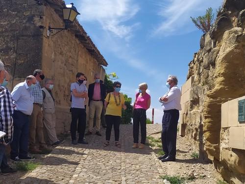 """Celebrado el acto de descubrimiento de la placa del Premio Hispania Nostra 2020 a la App para la reconstrucción virtual del Castillo de San Vicente de la Sonsierra • <a style=""""font-size:0.8em;"""" href=""""http://www.flickr.com/photos/141347218@N03/50158590862/"""" target=""""_blank"""">View on Flickr</a>"""