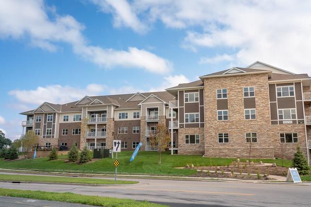 25537_Exterior_Prairie BluffsSenior Living (33)