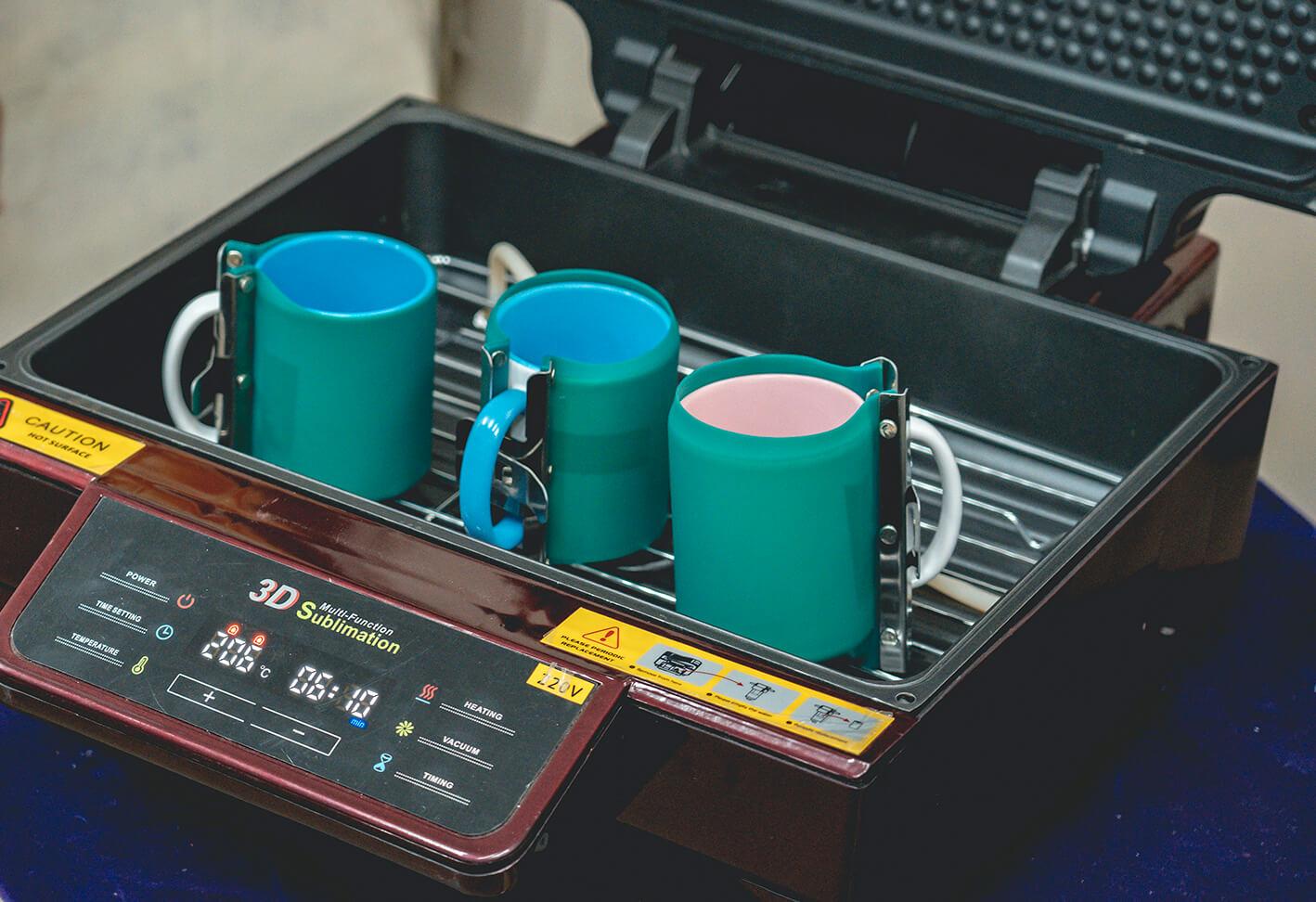 馬克杯放入真空熱轉印機-熱轉印機