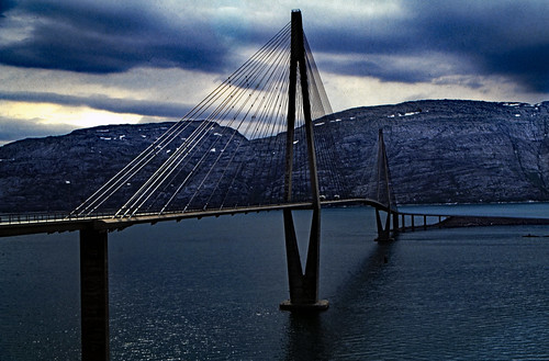 "Norwegen 1998 (648) Helgelandsbrua • <a style=""font-size:0.8em;"" href=""http://www.flickr.com/photos/69570948@N04/50168243013/"" target=""_blank"">View on Flickr</a>"