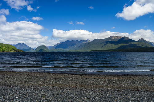 Lake Manapouri, Fiordland, New Zealand