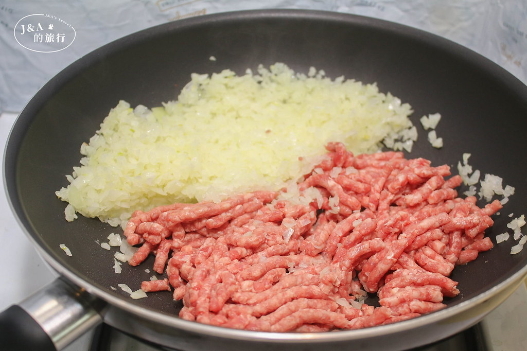 【食譜】番茄肉醬義大利麵 百吃不膩的經典義式肉醬麵,30分鐘就能快速上桌簡易版肉醬食譜! @J&A的旅行