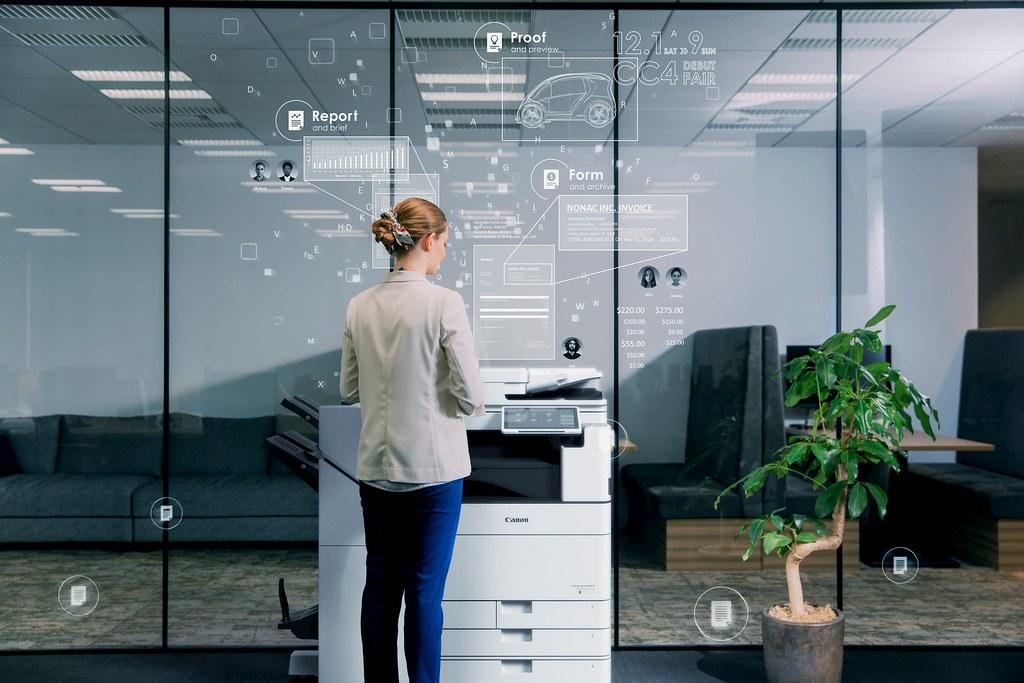 02_imageRUNNER ADVANCE DX系列提供業界最快270ipm的掃描速度,高規的TLS1.3加密協定,並搭載熱資料夾 (HOT folder),為提升辦公室生產力的完美夥伴。