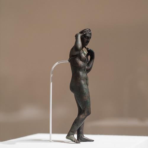 Statuette of Aphrodite Anadyomene (1)