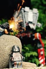 The Mandalorian & Cara Dune battle the AT-ST.