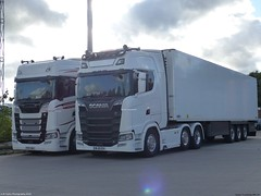 Photo of Scania Next Generation S730 V8 PO17 UKJ 2017 S580 V8 ML18 EOV 2018 Lymm Truckstop M6 UK