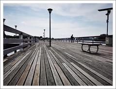 Anglų lietuvių žodynas. Žodis lower deck reiškia apatinis aukštas lietuviškai.