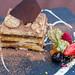 Italienisches Tiramisu mit Haselnuss-Sahne und knüspriger Schokolade. Q11 Restaurant, Pollença