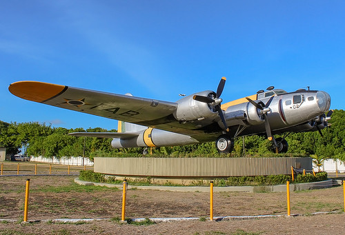 FAB5402  Boeing SB-17G  Flying Fortress (299P)