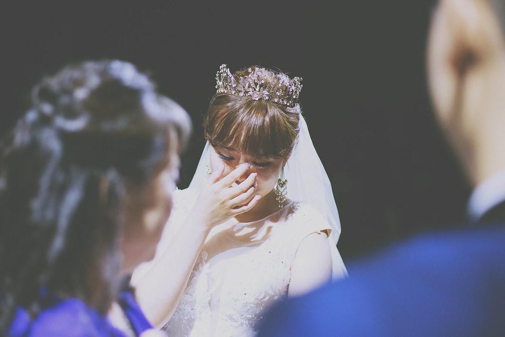 底片婚攝,婚禮攝影,婚禮攝影師推薦,桃園,皇家薇庭,婚攝推薦,婚禮紀錄,電影風格,溫度,情感,自然