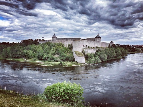 Ivangorod castle (RUSSIA), seen from Narva (ESTONIA)