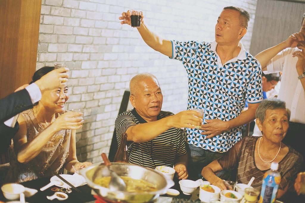 底片婚攝,婚禮攝影,婚禮攝影師推薦,台南,婚攝推薦,婚禮紀錄,電影風格,溫度,情感,自然